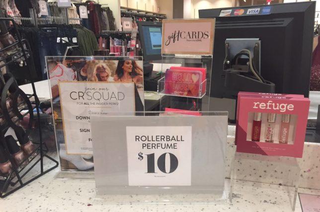 quảng cáo tại quầy thu ngân để tăng doanh thu cho cửa hàng