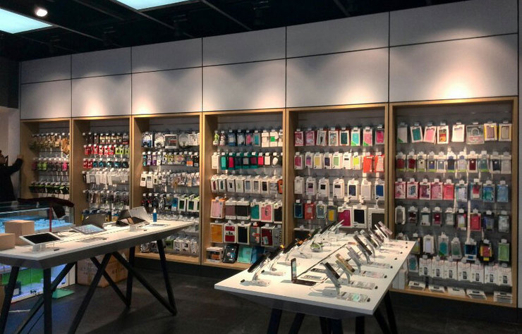 Mở cửa hàng phụ kiện điện thoại, có nên hay không?
