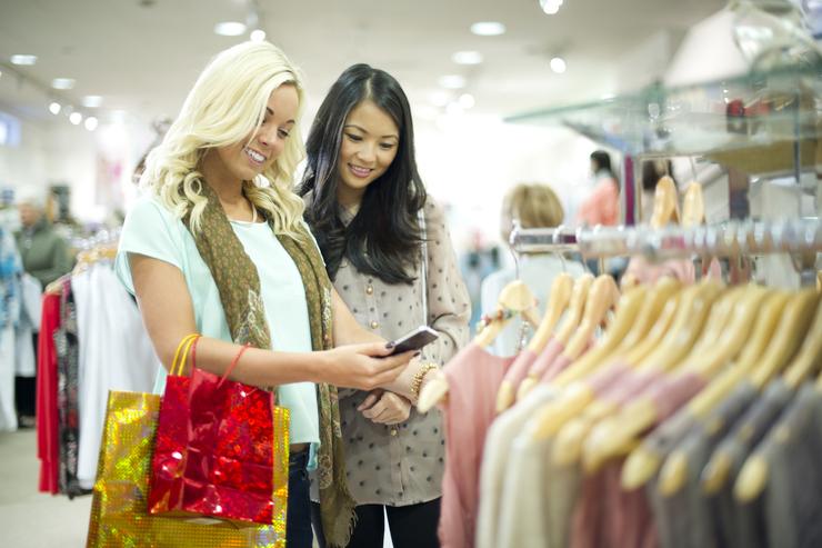 nhiều yếu tố ảnh hưởng đến quyết định mua hàng