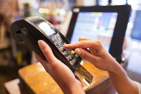 quầy thanh toán trong cửa hàng hiện đại