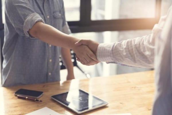 tìm kiếm khách hàng mới luôn quan trọng, giữ chân khách hàng cũ giúp tăng lợi nhuận