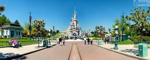 Bài học kinh doanh thú vị từ thành công của Disneyland