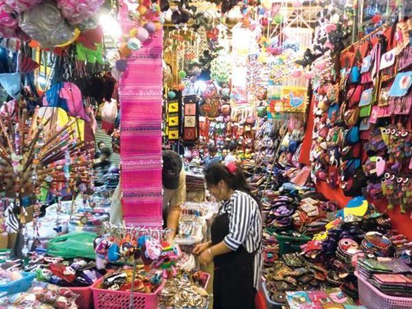 Nguồn hàng tiêu dùng Thái Lan đa dạng tại chợ cuối tuần Chatuchak