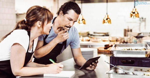 Không có định hướng và cố gắng đáp ứng mọi thứ cho mọi khách hàng
