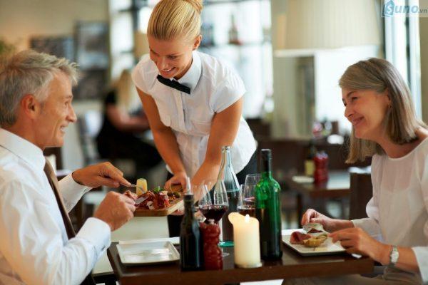 Tăng cường giao tiếp, tương tác với khách hàng