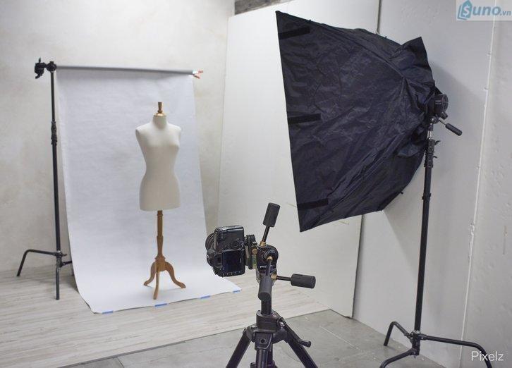 thiết lập phòng chụp sản phẩm cho shop quần áo