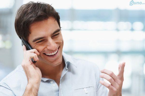 Không bao giờ gác máy trước là một trong những kỹ năng cần có của nhân viên bán hàng qua điện thoại