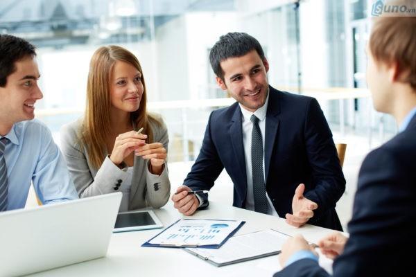 Làm việc nhóm- một trong những kỹ năng giao tiếp quan trọng cần có trong kinh doanh