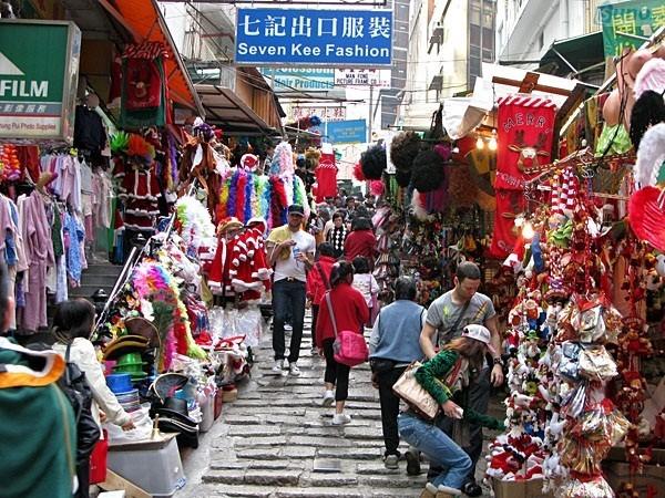 Chợ Bạch Mã - nơi cung cấp quần áo Quảng Châu