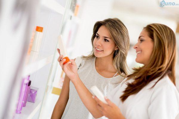 làm thế nào tuyển nhân viên tư vấn bán hàng mỹ phẩm