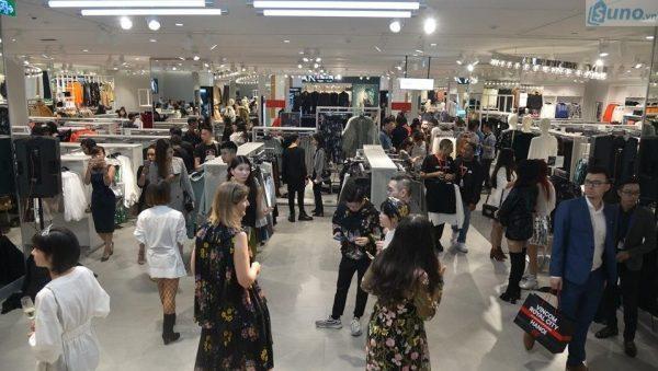 Kinh doanh thời trang dịp cuối năm