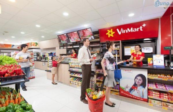 Một cách khôn ngoan để thực hiện chiến lược marketing bán lẻ ngay tại cửa hàng, đó là đặt những màn hình tivi hiển thị quảng cáo sản phẩm, chương trình KM