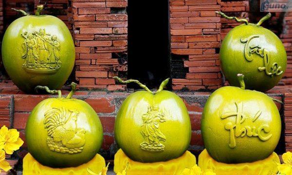 """Thị trường kinh doanh Tết 2018 sôi động với các loại trái cây """"độc, lạ"""""""
