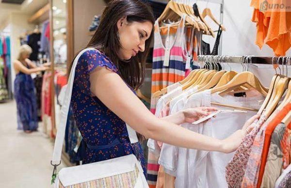 Duy trì các sự kiện tại cửa hàng cũng là cách giúp giữ chân khách hàng ở lại cửa hàng lâu hơn, từ đó góp phần tăng doanh số bán hàng