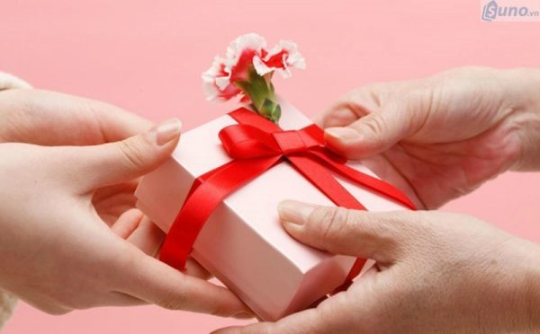 """Những món quà tặng ngày 8/3 được """"săn đón"""" nhiều nhất"""