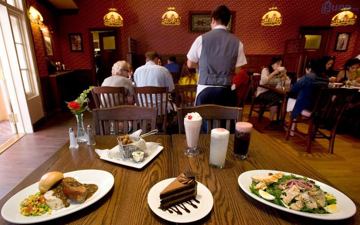 Làm thế nào để giảm chi phí nguyên vật liệu cho nhà hàng quán ăn?