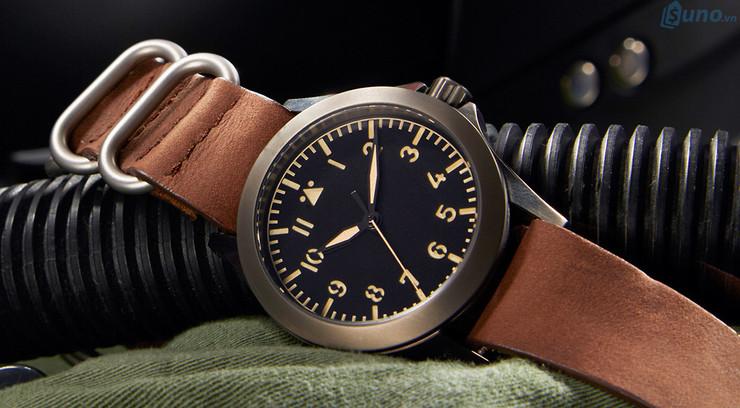 Đồng hồ nam là sản phẩm bán chạy