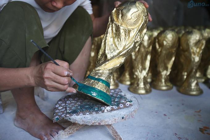 phụ kiện cổ vũ là sản phẩm bán chạy mùa world cup