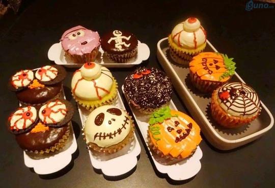 """Những chiếc bánh cupcake được trang trí """"ma quái"""" theo phong cách Halloween"""