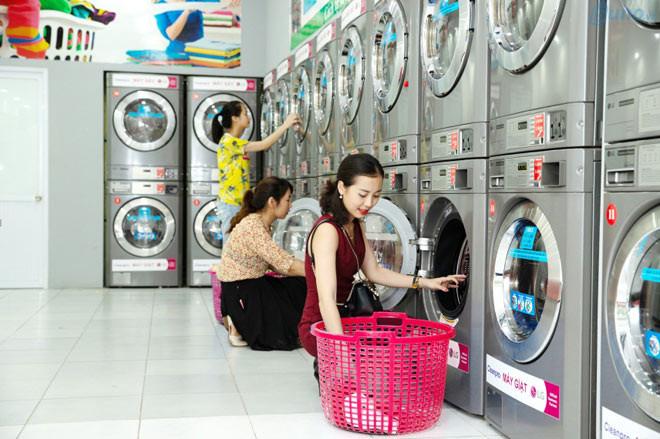 Khách hàng của cửa hàng giặt sấy thường là nhân viên văn phòng, công sở, sinh viên, những người bận rộn không có thời gian cho công việc nhà