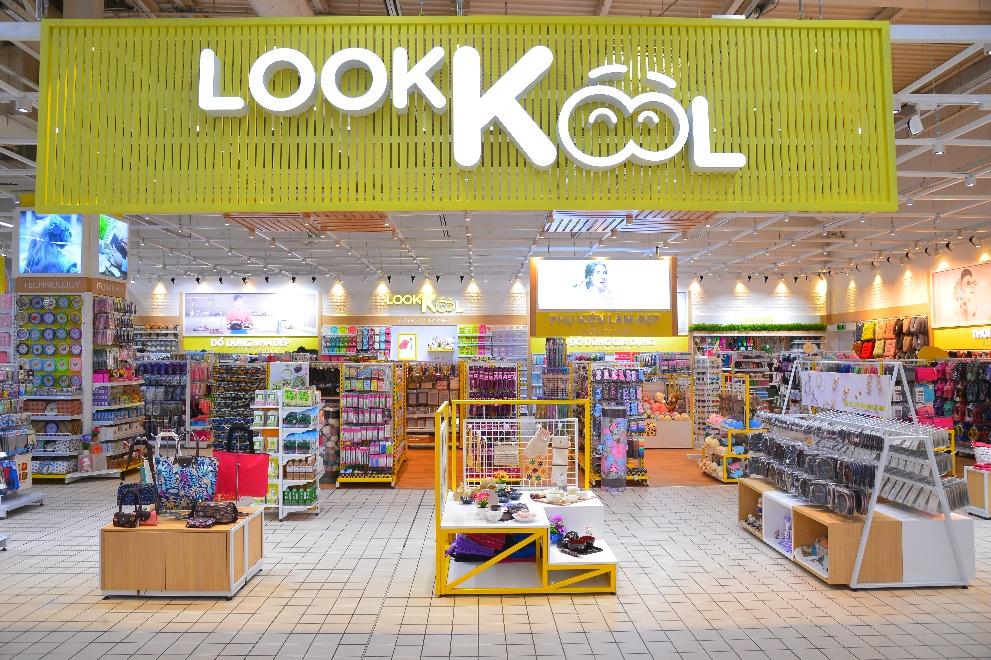 Không gian mua sắm hiện đại bên trong cửa hàng LookKool là tuyệt chiêu khiến khách hàng quay lại