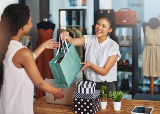 Muốn trở thành một nhân viên bán lẻ xuất sắc thì cần phải trang bị những kỹ năng bán hàng quan trọng dưới đây