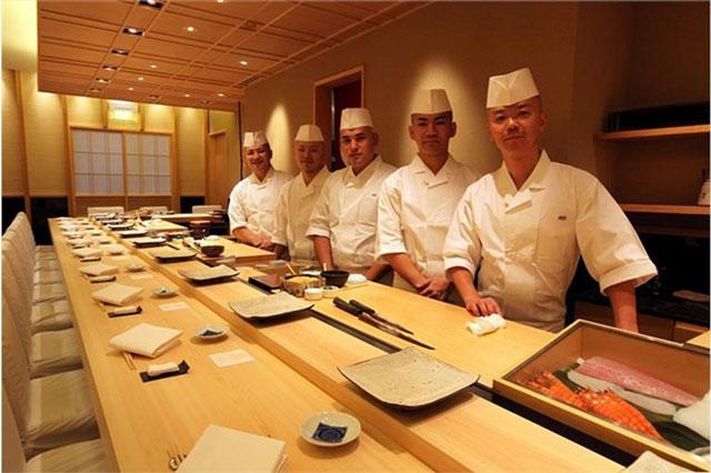 Người Nhật Bản đã quản lý nhà hàng quán ăn như thế nào?