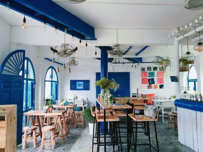 Mẫu thiết kế quán trà sữa như thế nào thì mới thu hút được khách hàng, nhất là giới trẻ?