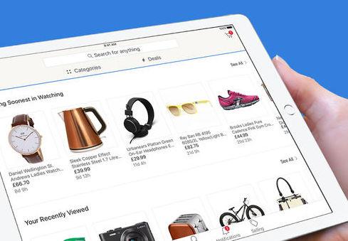 nhân viên tư vấn bán hàng nội thất, gia dụng dùng ipad